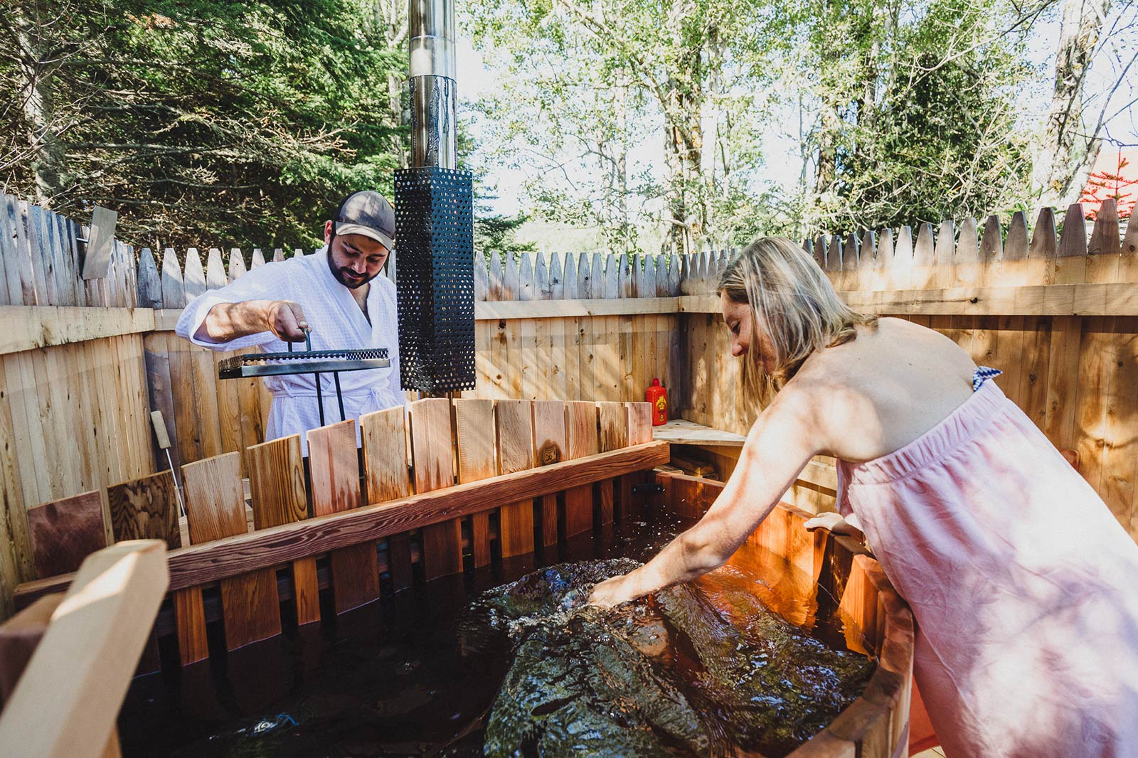 The Wooden Bearrel Hot Tub - West River camping